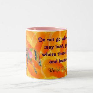 エマーソンの引用文のマグ ツートーンマグカップ
