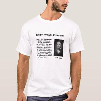 エマーソンの本の使用 Tシャツ