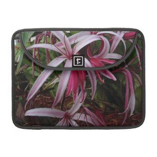 エマ女王の紫色のCrinumユリ MacBook Proスリーブ