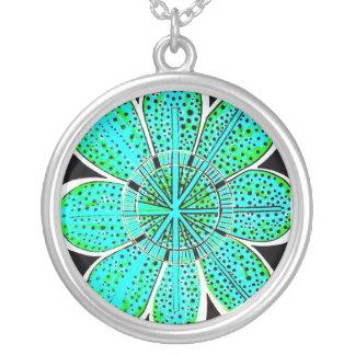 エミリーのデザインのペンダントのネックレス シルバープレートネックレス