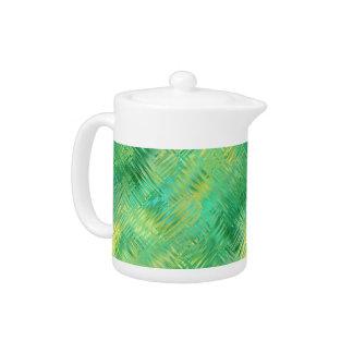 エメラルドグリーンのガラス状の質