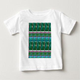 エメラルドグリーンの芸術パターン水晶石造りのギフト ベビーTシャツ