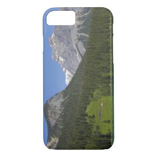 エメラルド湖、イギリスカナダ人ロッキー山脈 iPhone 8/7ケース