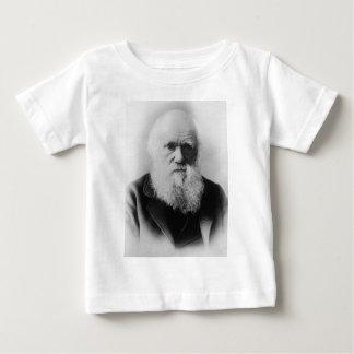 エリオットおよび揚げ物によるチャールズ・ダーウィンのポートレート ベビーTシャツ