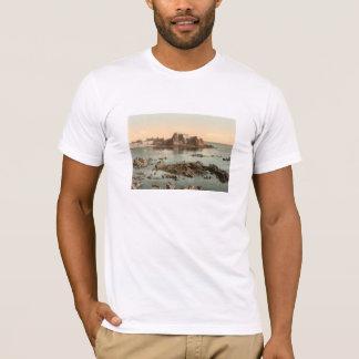 エリザベスの城、St Heliers、ジャージー、イギリス Tシャツ