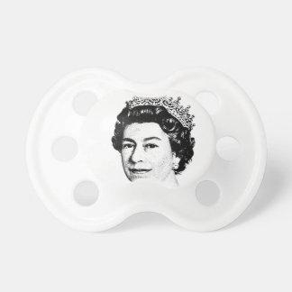 エリザベス女王 おしゃぶり