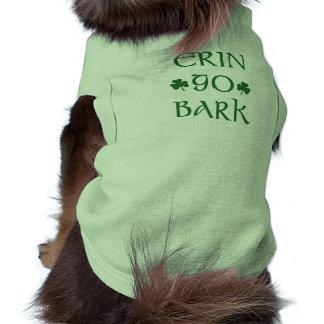 エリンはワイシャツ吠え声のアイルランド人のセントパトリックの日犬の行きます ペット服
