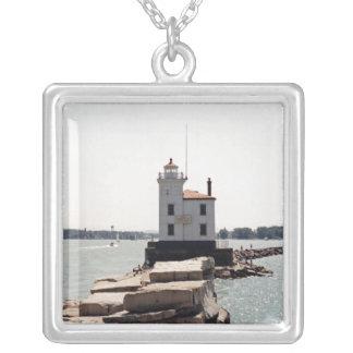 エリー湖の灯台 シルバープレートネックレス