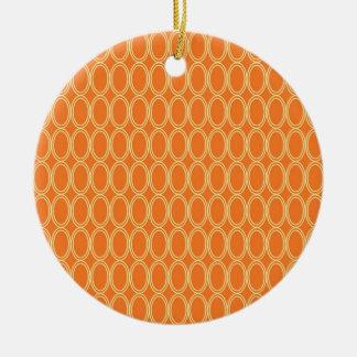 エレガントでカラフルなオレンジおよびクリーム色の楕円形パターン セラミックオーナメント