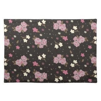 エレガントでクラシックなピンク及び焦茶の花柄 ランチョンマット