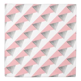 エレガントでモダンで模造のな銀製のピンクの幾何学的 掛け布団カバー
