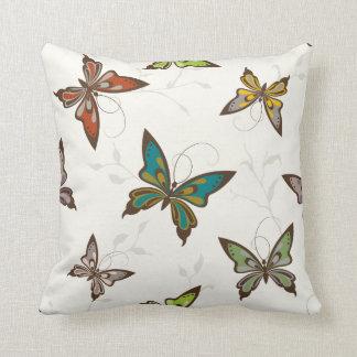 エレガントで多彩な蝶デザイン クッション
