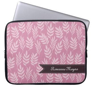エレガントで柔らかいピンクはガーリーな名前のパターンを残します ラップトップスリーブ