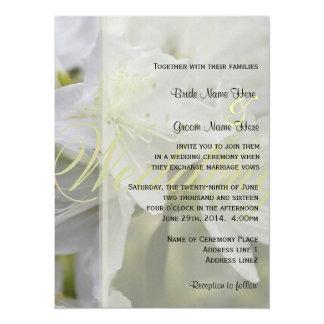 エレガントで白いツツジによっては結婚式が開花します カード