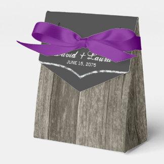 エレガントで素朴な納屋の木製の黒板の結婚式 フェイバーボックス