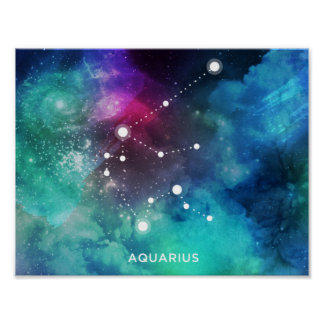 エレガントで赤く青い水彩画の星雲のアクエリアス ポスター