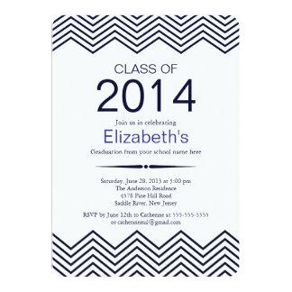 エレガントで青いシェブロンの卒業のパーティの招待状 カード