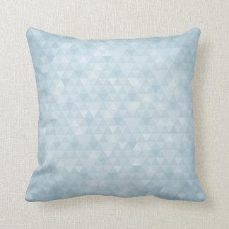 エレガントで青い三角形パターン クッション