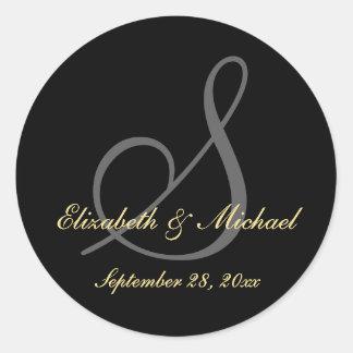 エレガントで黒いモノグラムの結婚式の保存の日付のステッカー ラウンドシール
