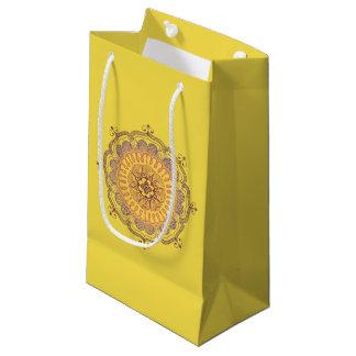 エレガントで、カラフルな曼荼羅の小さい好意のバッグ スモールペーパーバッグ