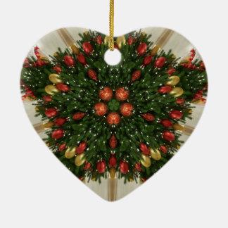 エレガントなクリスマスのリースの赤い緑の目まぐるしい セラミックオーナメント