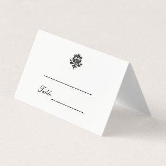 エレガントなダマスク織の結婚式によって折られる座席表 プレイスカード