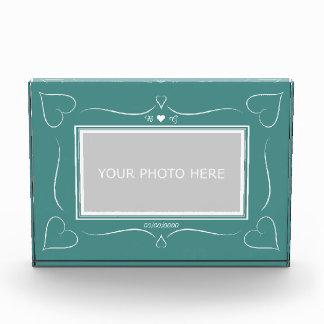 エレガントなティール(緑がかった色)の結婚式のハートのモノグラムの写真のブロック フォトブロック