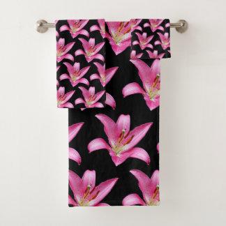 エレガントなピンクの東洋ユリのユリの占星家の花 バスタオルセット