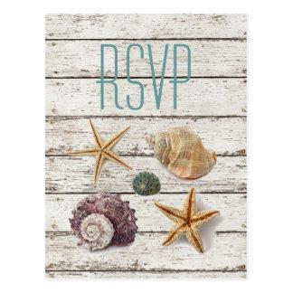 エレガントな波止場の木製の貝殻のビーチ結婚式のrsvp ポストカード