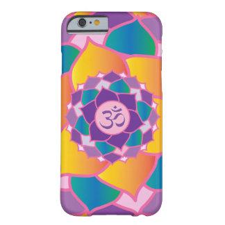 エレガントな王冠のチャクラのヨガの黙想の熱狂者 BARELY THERE iPhone 6 ケース