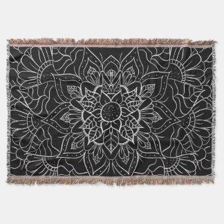 エレガントな白黒の花の曼荼羅のスケッチ スローブランケット