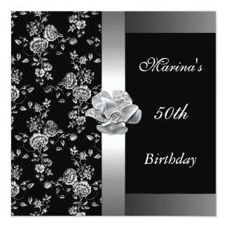 エレガントな第50誕生日の黒い銀製の花のブロケード 13.3 スクエアインビテーションカード