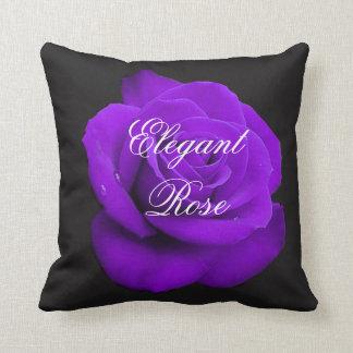 エレガントな紫色のバラの装飾用クッション クッション