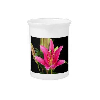 エレガントな紫色のピンクの花の花のギフトのテンプレート ピッチャー