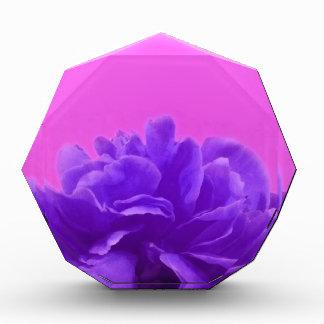 エレガントな紫色のラズベリーの花柄 表彰盾
