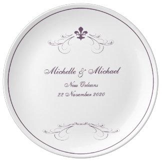 エレガントな紫色の白い(紋章の)フラ・ダ・リの記念品 磁器プレート