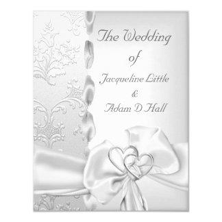 エレガントな結婚式の花の銀製の白い弓ハート カード