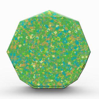 エレガントな緑の紙吹雪のテンプレートは文字のイメージのおもしろいを加えます 表彰盾