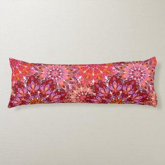 エレガントな花パターンが付いている枕 ボディピロー