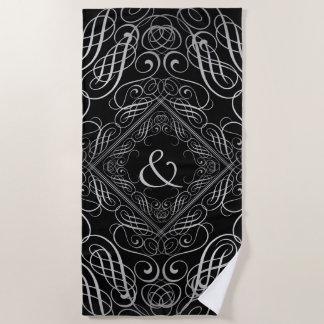 エレガントな銀ぱくの一見の線条細工のScrollworkの黒 ビーチタオル
