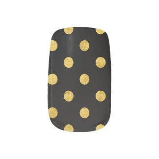エレガントな黒および金ゴールドホイルの水玉模様パターン ネイルデコレーション