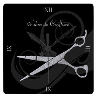 エレガントな黒は銀製のはさみのヘアーサロンをカールします 時計