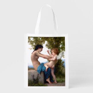 エロスのキューピッドのファインアートに対して彼女自身を守っている女の子 エコバッグ