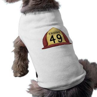 エンジン49の消防士の帽子犬のティー ペット服