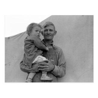 エンドウ豆の収穫の間の移住性家族 -- 1939年 ポストカード