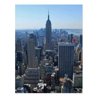 エンパイア・ステート・ビルディングおよびニューヨークのスカイライン ポストカード