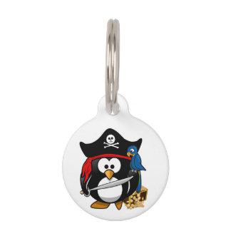 オウムを持つかわいい漫画の海賊ペンギン ペット ネームタグ
