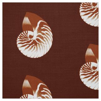 オウムガイの貝-ココア茶色および白 ファブリック