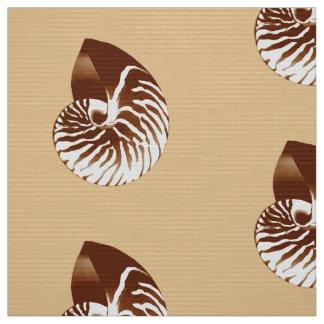 オウムガイの貝-茶色、白およびベージュ色 ファブリック