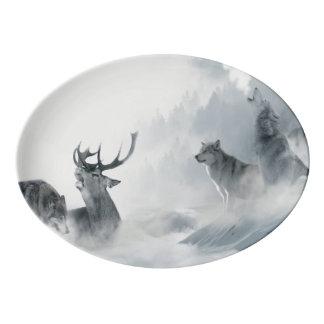 オオカミおよびシカ 磁器大皿